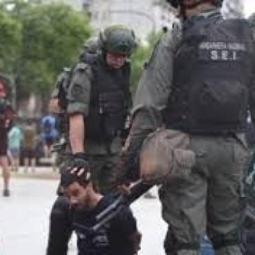 ARGENTINA ; SE RECRUDECE LA REPRESIÓN CONTRA EL PUEBLO